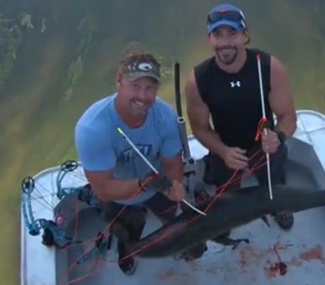 【射猎】复合弓用于渔猎射大鱼
